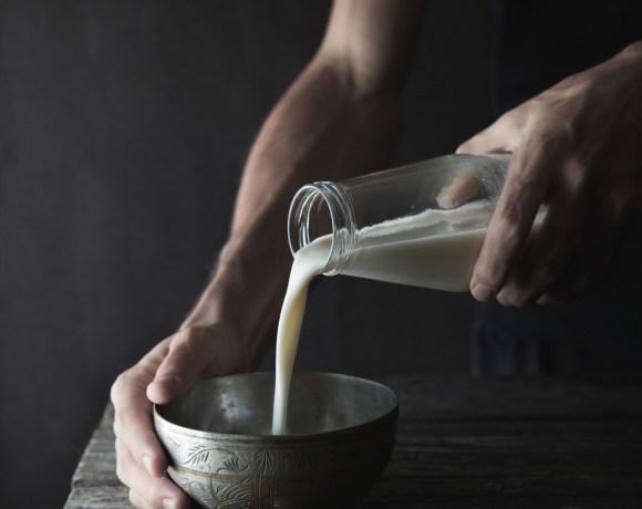 Lait d'avoine maison en 5 minutes {vegan, IG bas, sans gluten, sans lactose}