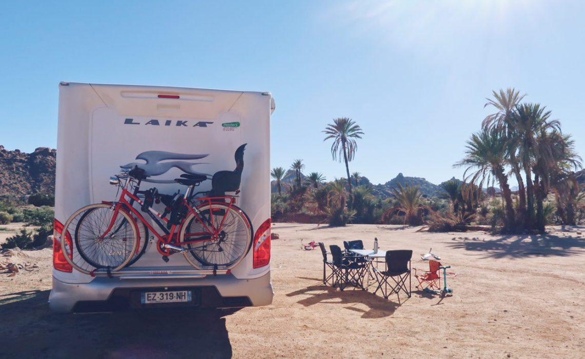 Voyage au Maroc camping avec camping-car dans la palmeraie de Tafraout