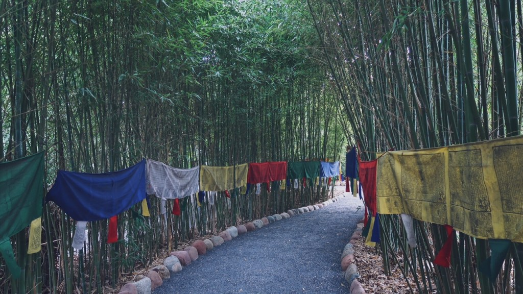 Voyage au Maroc Marrakech prières du tibet dans le jardin andré heller
