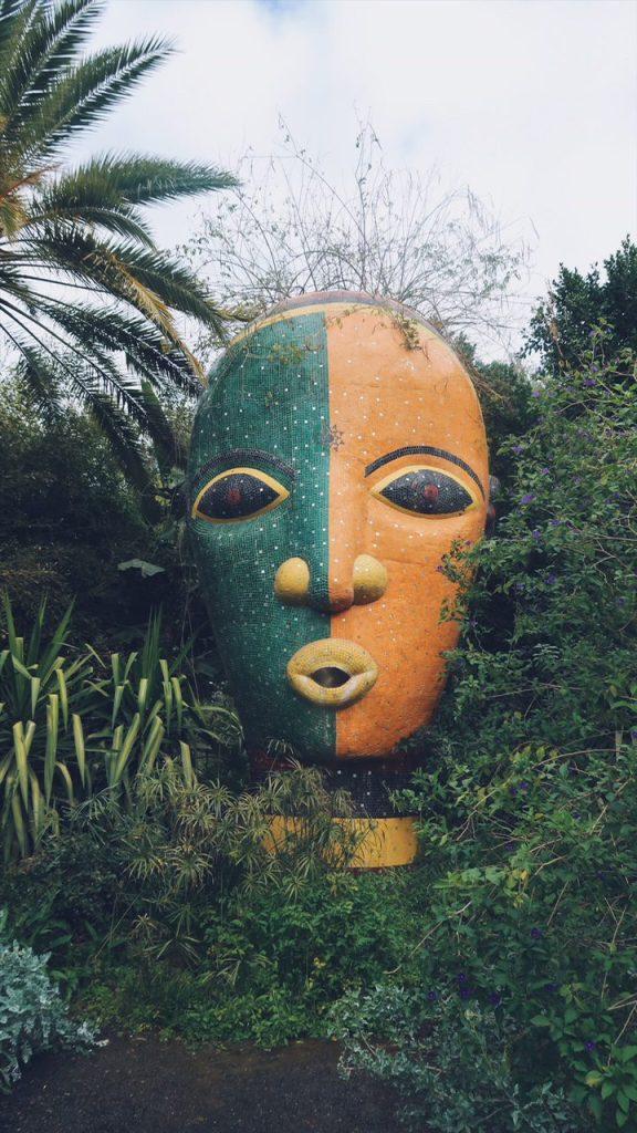 Voyage au Maroc Marrakech sculpture dans le jardin andré heller
