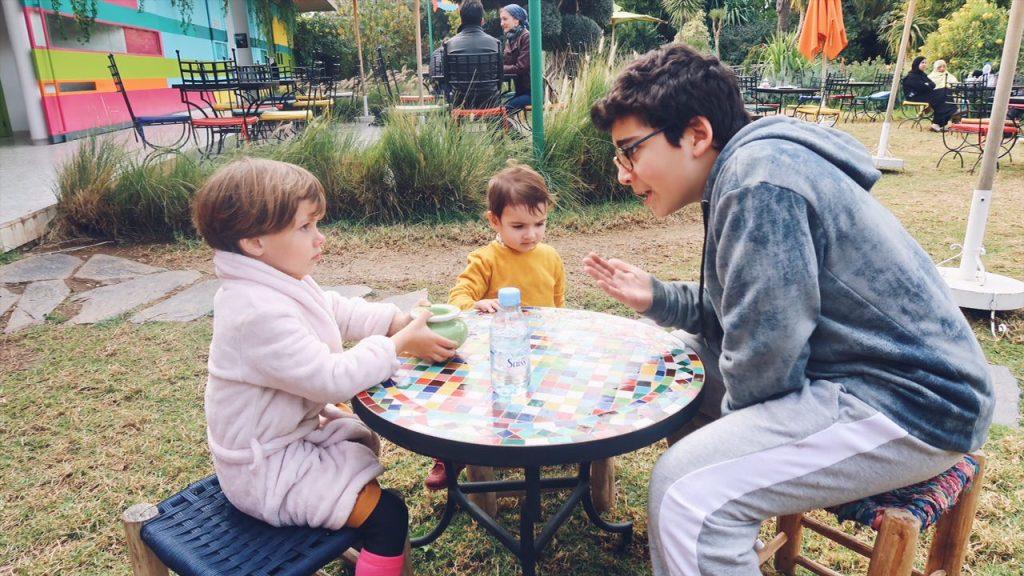 Voyage au Maroc Marrakech café dans le andré heller garden