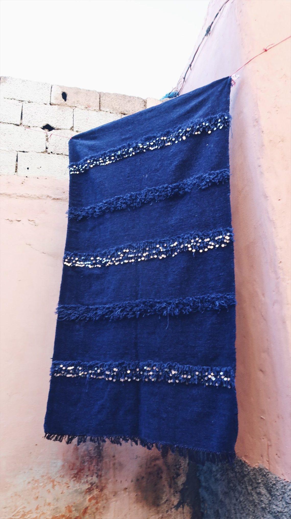 Voyage au Maroc Taroudant tapis bleu berbère