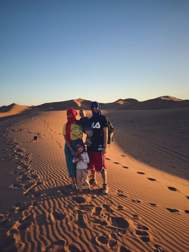 Voyage au Maroc Desert Sahara Erg Chegaga en famille avec bébés