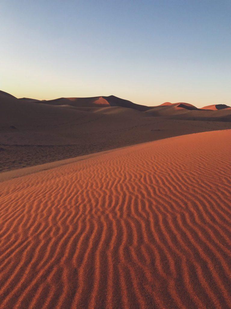 Voyage au Maroc Desert Sahara Erg Chegaga ombres