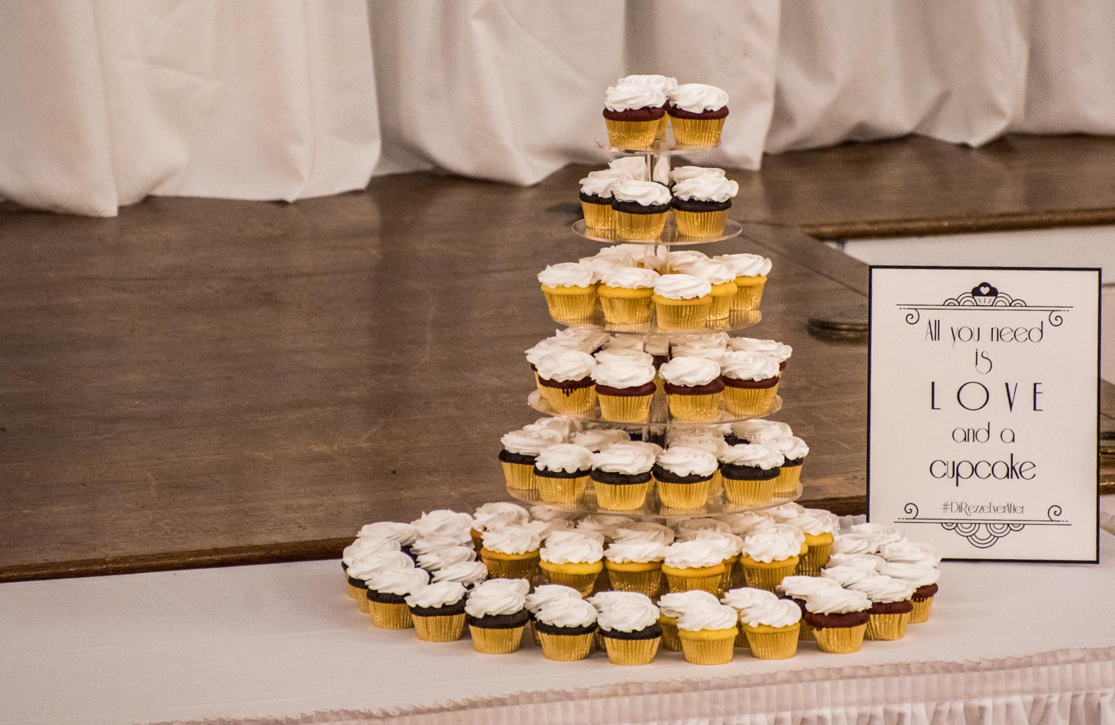 Cupcakes - Lafayette Grande Banquet Facility - pictures