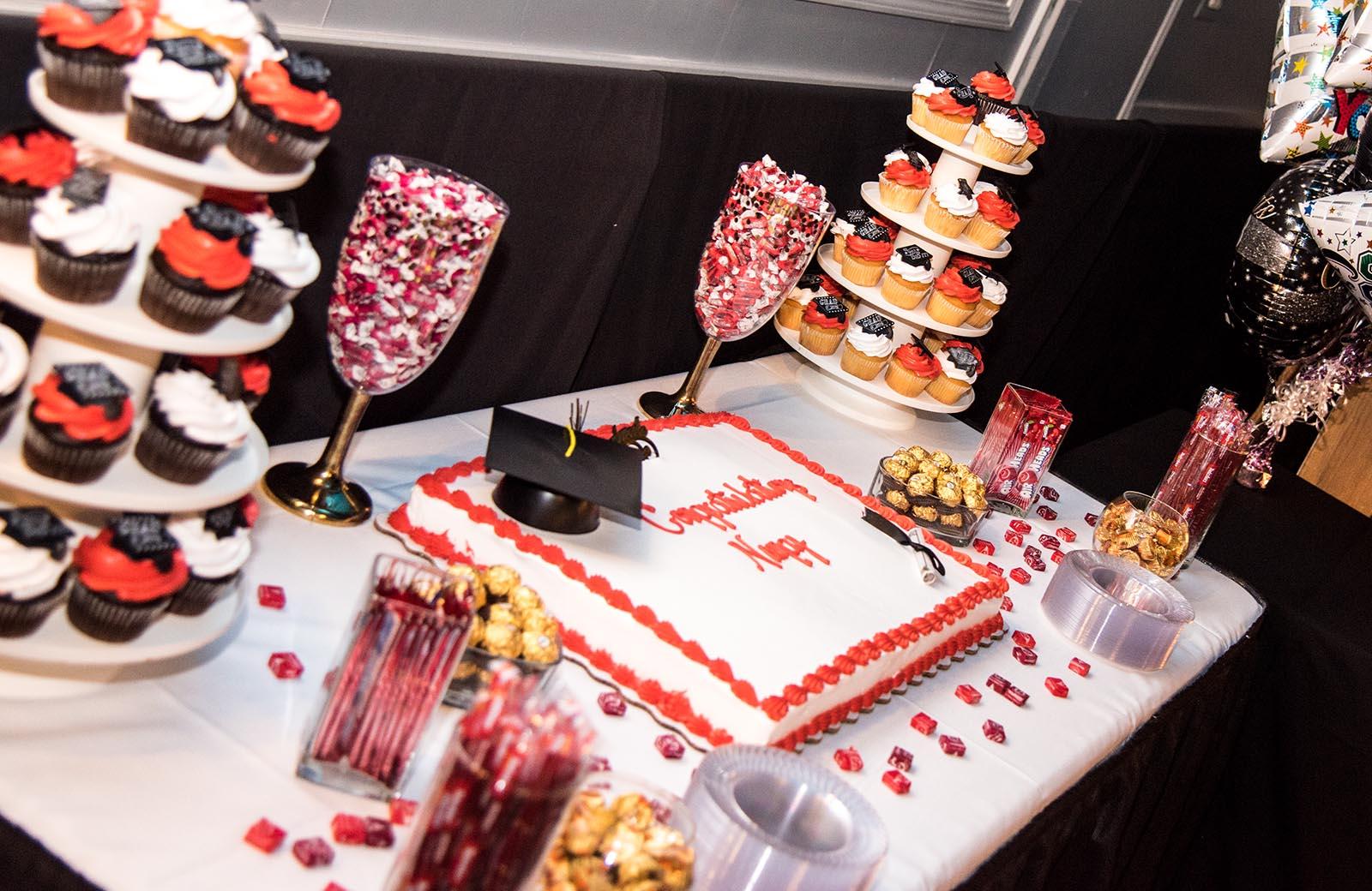 Cupcakes & Cake - Lafayette Grande Banquet Facility