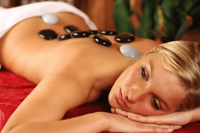 hot-stone-massage-1