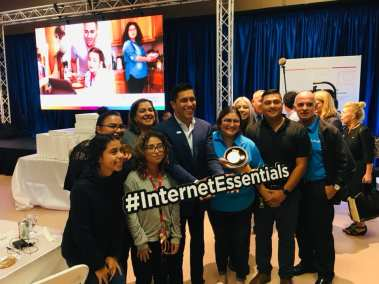 la familia internet