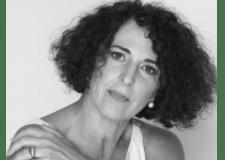 La escritora Lóla López Mondejar