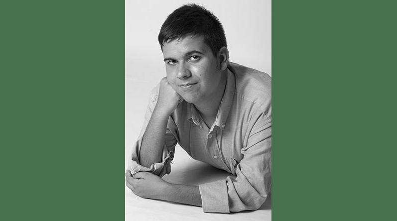 """Reseñas y entrevistas a Christian Nieto Tavira con motivo de la publicación de su primer poemario """"Última bala"""""""