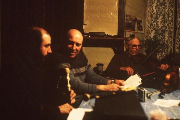 Joseph Perrier au violon, Jean farges au chant et André Ricros à la cabrette