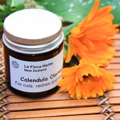 La Finca Herbs calendula oil image