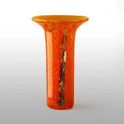 florero jarron naranja de vidrio soplado