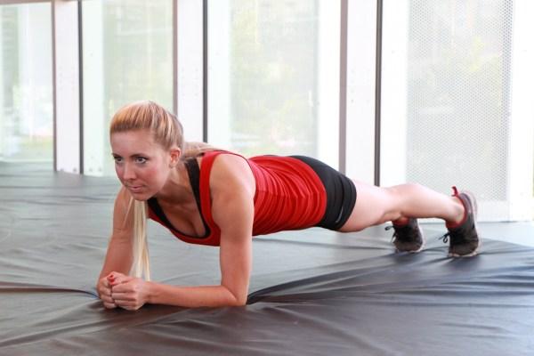 Alyssa doing a plank at LA Fitness