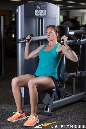 How to use the Shoulder Press Machine at LA Fitness (1)
