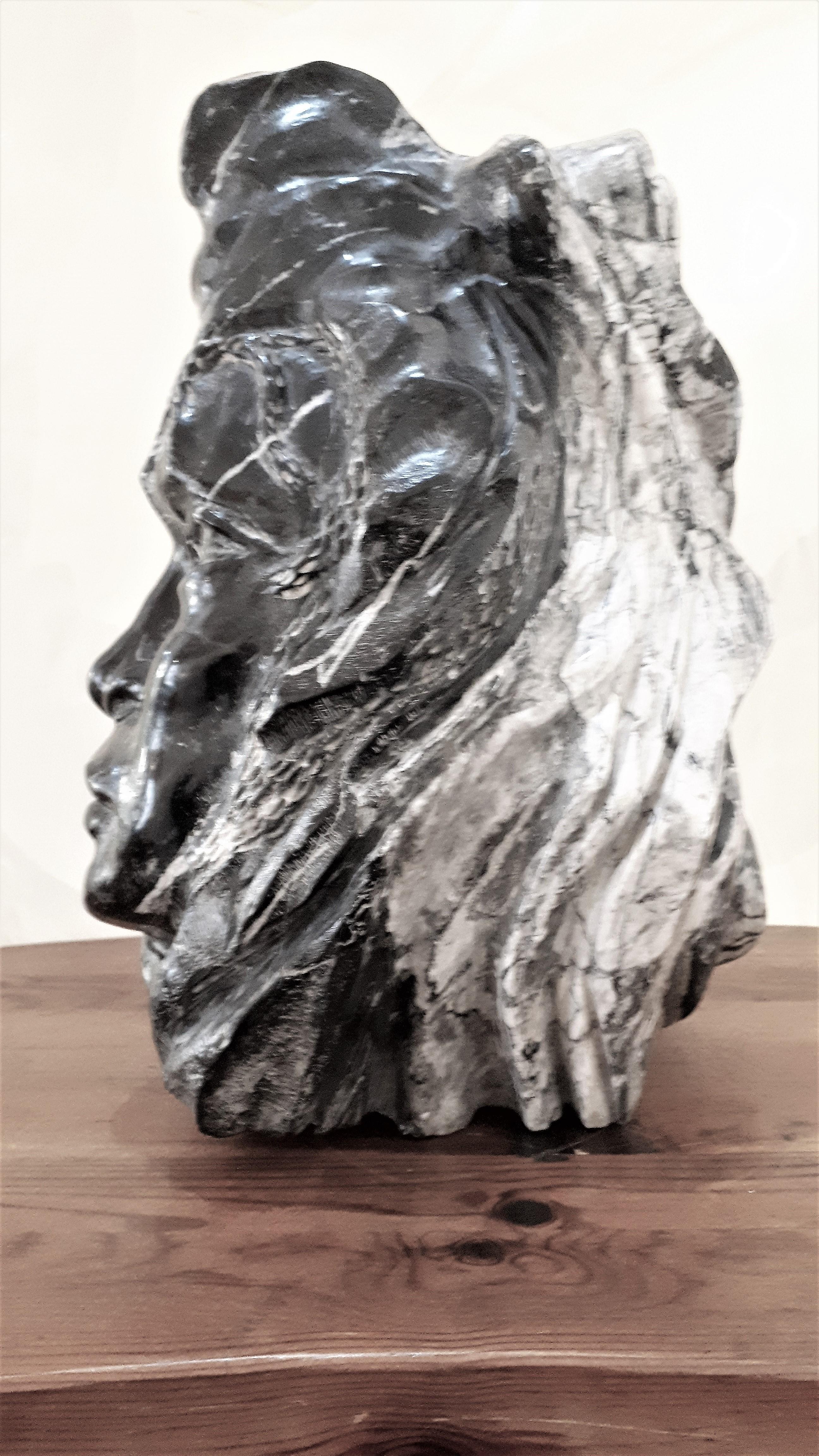 Magnifique sculpture en marbre noir grand antique des Pyrénées Ariégeoises, réalisée par Jean Michel Lafitte