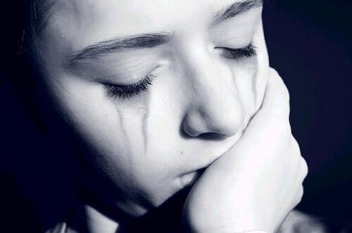 Chi non ha sofferto nella vita? Chi non ha subito torti, delusioni , tradimenti!?