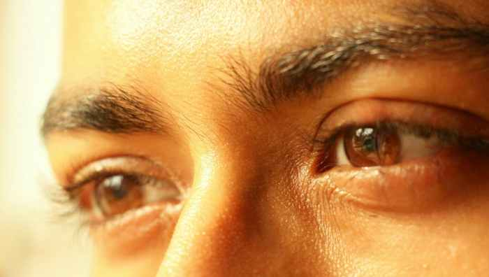 big eyes, daylight, dry