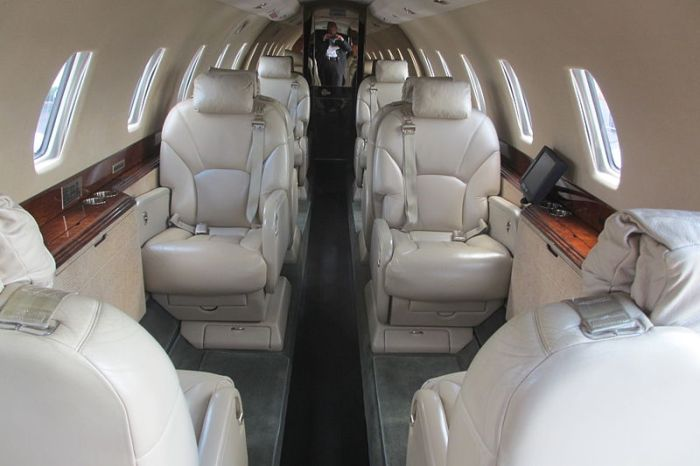 File:Cessna Citation X cabin interior.jpg