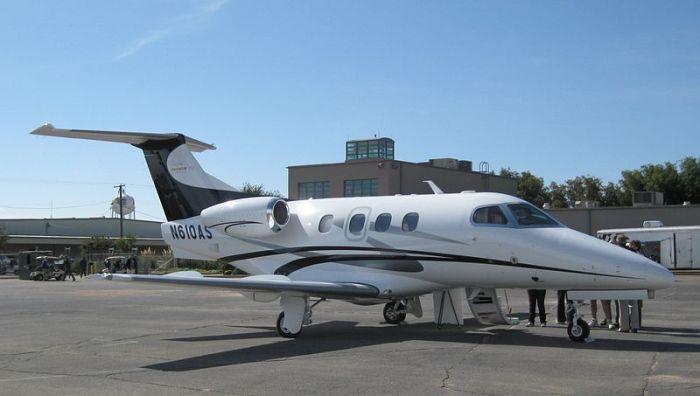 File:Embraer Phenom 100 (N610AS).jpg