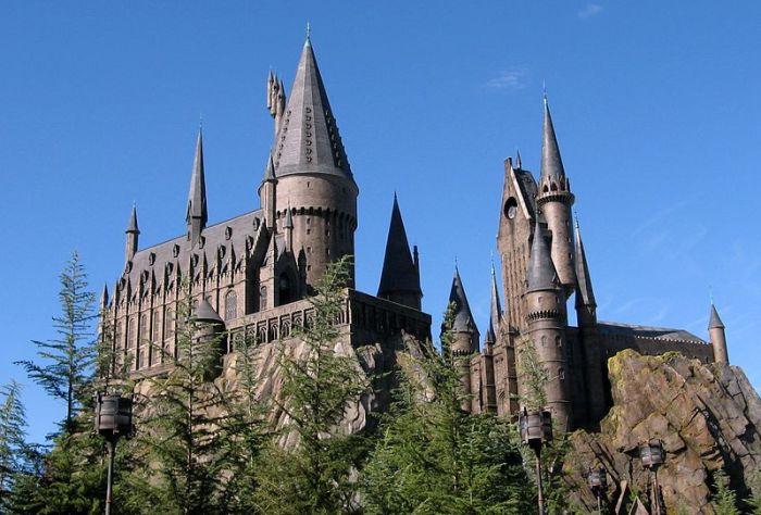 File:Wizarding World of Harry Potter Castle.jpg
