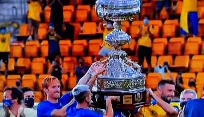 El-Cádiz-se-adjuica-el-Trofeo-Carranza