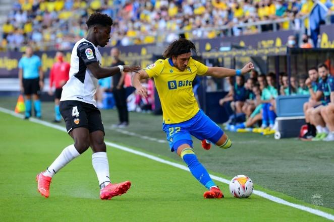 El-Cadiz-saca-un-empate-ante-el-Valencia