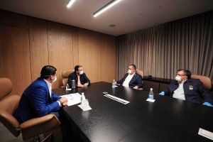 Presidentes de los tres órganos del Estado se reúnen en medio de la crisis