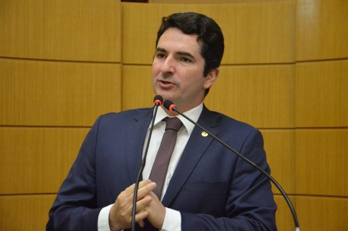 O Deputado Estadual Gustinho Ribeiro