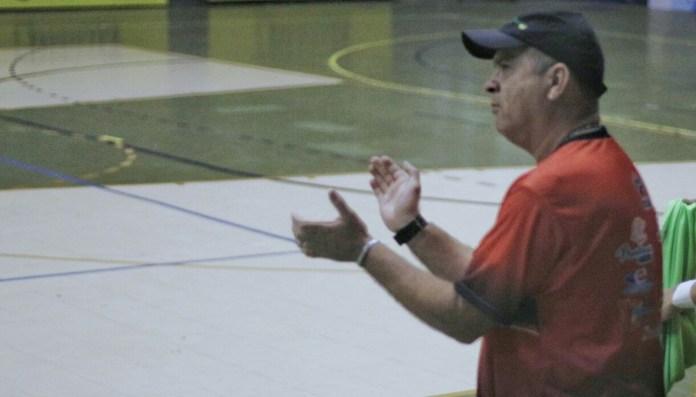 Galego, técnico do Lagarto Futsal (Foto: João Áquila / GloboEsporte.com)