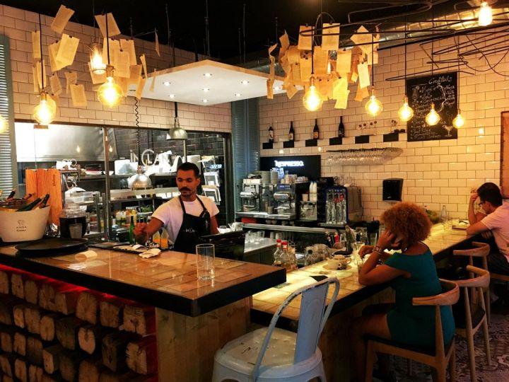 IMG_3684-Inclan-Brutal-Bar-Madrid-Barra-Cocina.jpg