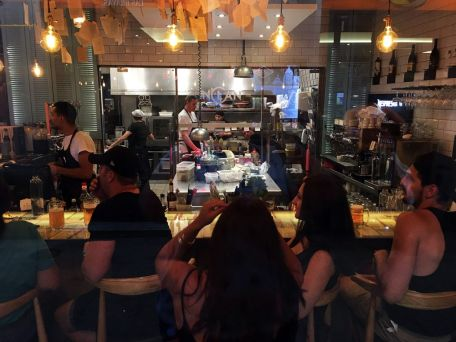 IMG_3786-Inclan-Brutal-Bar-Madrid-Barra-y-Cocina