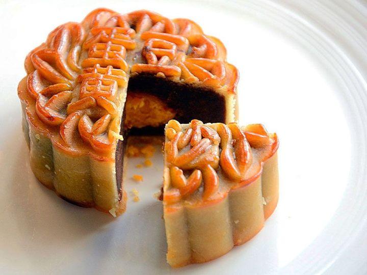 Pastel-de-la-Luna---Gastronomia-China---Festival-del-Medio-Otoño-Madrid-2018-Gastronomicon-News.jpg