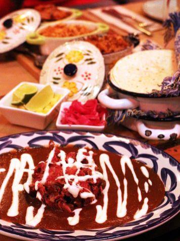 Tacos-pato-con-mole-al-pastor-Tinga-de-Pollo-Cochinita-Pibil-Tortillas-Chihuahua-Tacos-y-Tragos-Restaurante-Mexicano