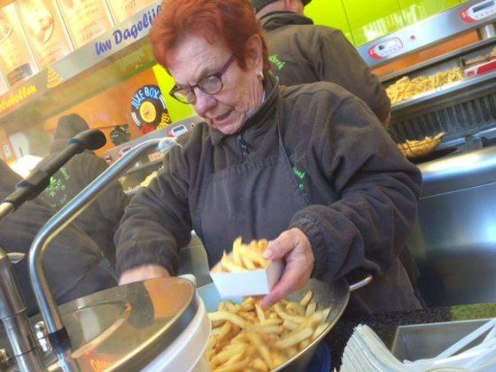 Turismo brujas, viaje a bruselas, patatas fritas