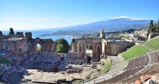 Vista del Etna desde Taormina