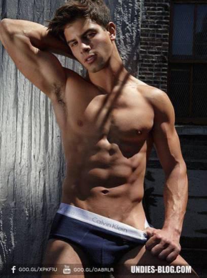 beaux-gosses-gay-clubjimmy-060817-05