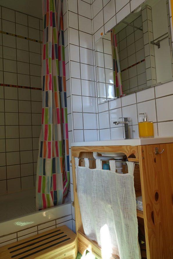 chambres d'hôtes la Gémuloise salle d'eau côté cour côté jardin