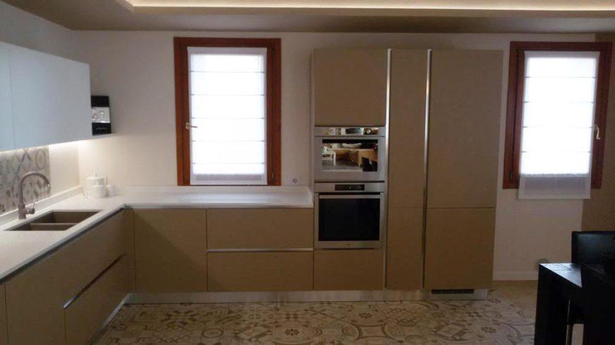 Cucina moderna laminato - Lago Arredamenti Srl