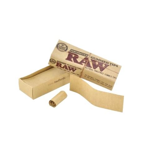 Boîte de 33 cartons perforés Raw enduits de colle naturelle pour bien tenir en place ! Comme tous les produits Raw, ces filtres sont non blanchis, garantis sans produits chimiques. Dim :6 cm x 1.7 cm