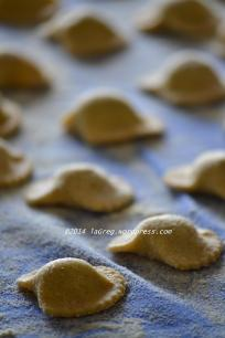 ravioli di borragine al burro, mentuccia e pinoli (31)