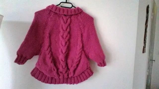 Gina le petit têtard de 70 ans qui tricote