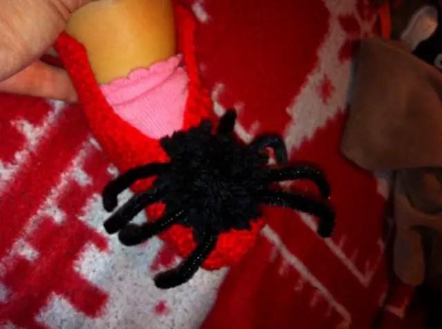 Les chaussons Halloween d'une p'tite grenouille