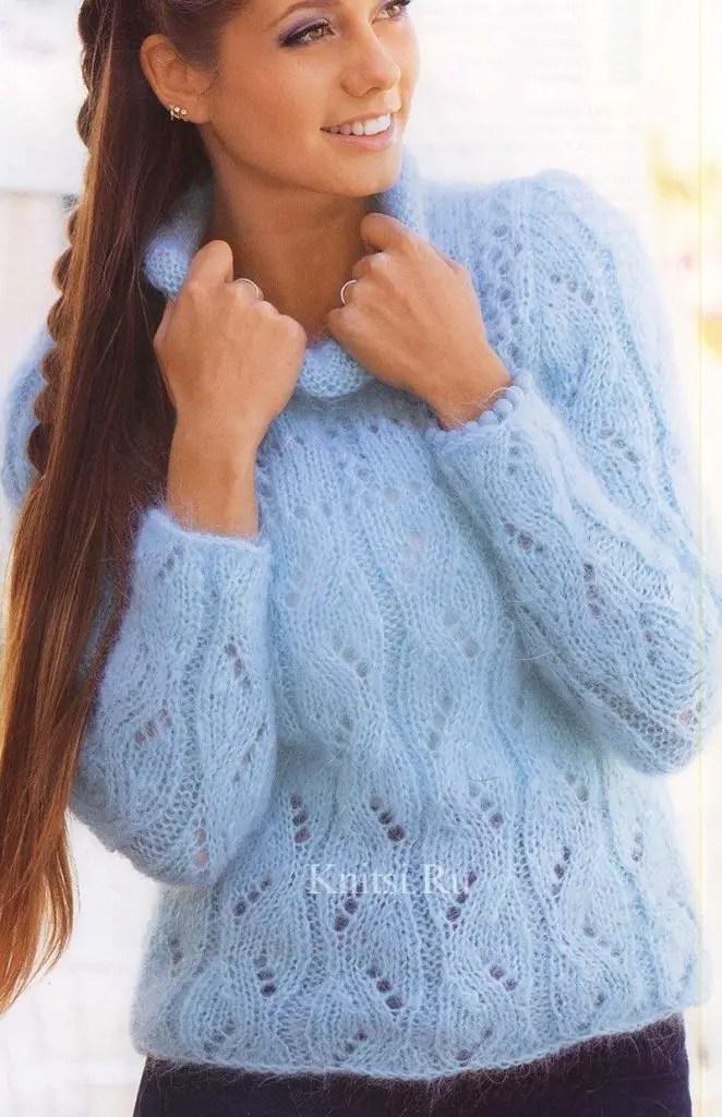 un pull au tricot couleur bleu tendre
