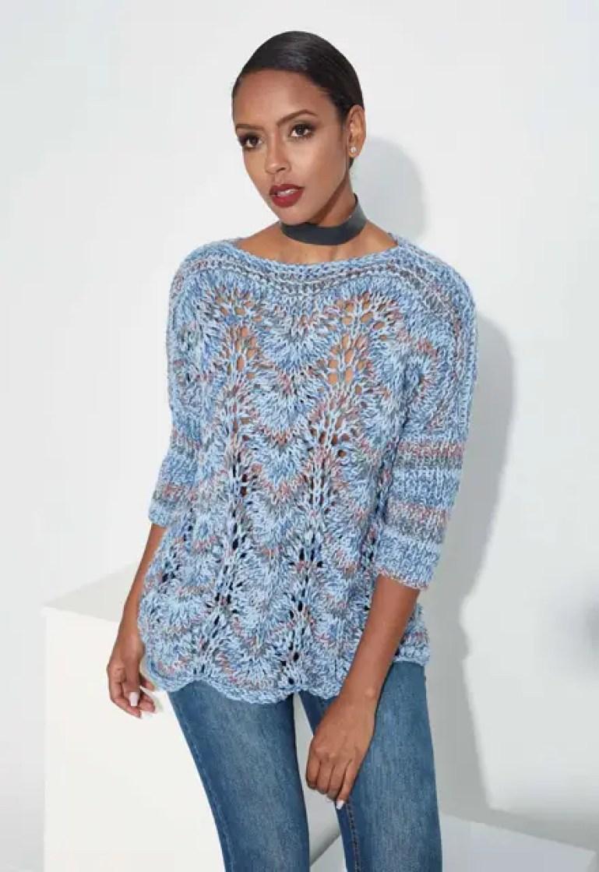Le pull aquarella bleu au tricot