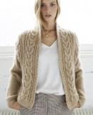 Un cardigan femme au tricot
