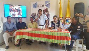 Instantes cuando el alcalde de Uribia, Luis Solano Redondo, se dirigía a los presentes.