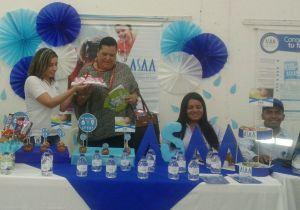 Muestra del reconocimiento a la Vocal de Control para los servicios de Acueducto, Alcantarillado y Aseo, Luz Dary Mejía Obredor.