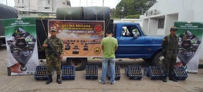 Vehículo y licor de contrabando decomisaron las autoridades.1 - copia