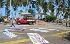 Los docentes manifestaron su inconformismo en las diferentes calles de la capital de La Guajira.